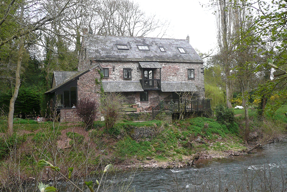 <strong>Monnow Mill<span><b>in</b>Residential </span></strong><i>→</i>