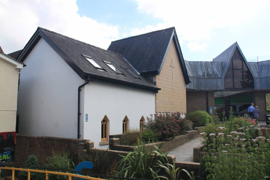 <strong>Chepstow Methodist<span><b>view larger</b></span></strong><i>→</i>