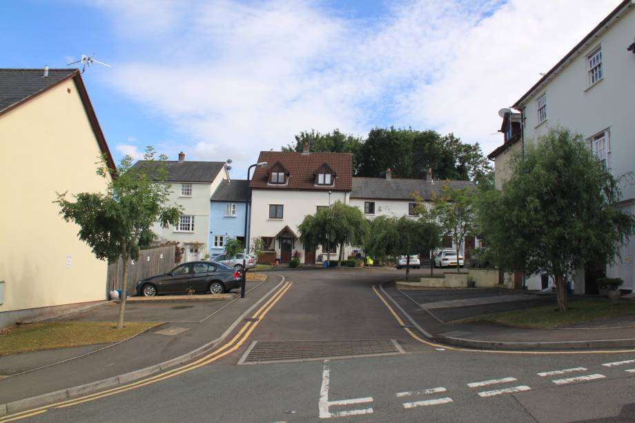 <strong>School Hill, Chepstow<span><b>view larger</b></span></strong><i>&rarr;</i>